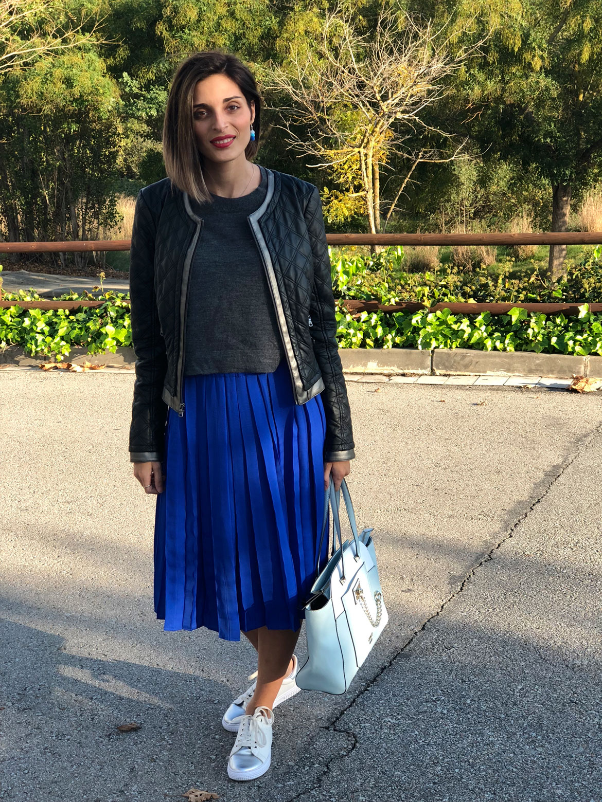 falda plisada azul klein mango